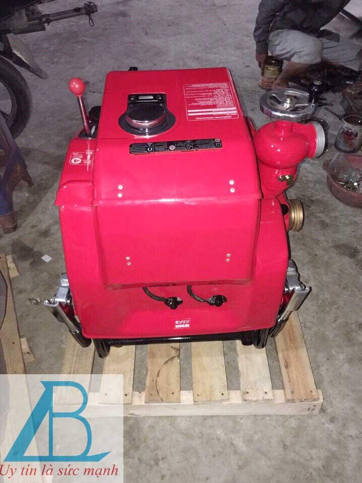 Máy bơm chữa cháy động cơ xăng TOHATSU V20D2S
